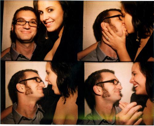 Romantic photobooth snaps - Pic 2