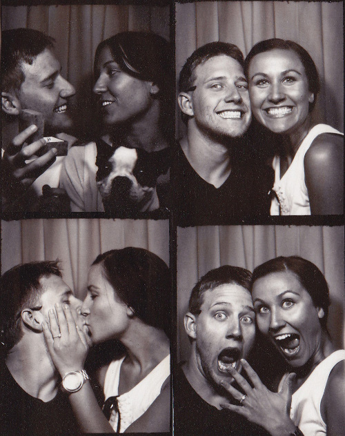 Romantic photobooth snaps - Pic 3