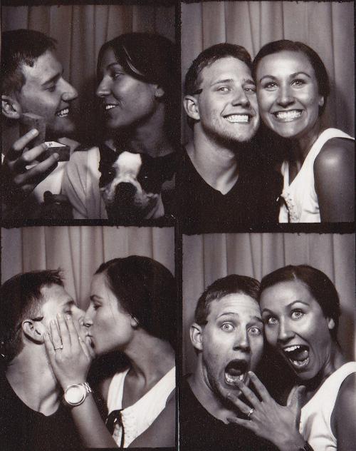 Romantic photobooth snaps - Pic 3