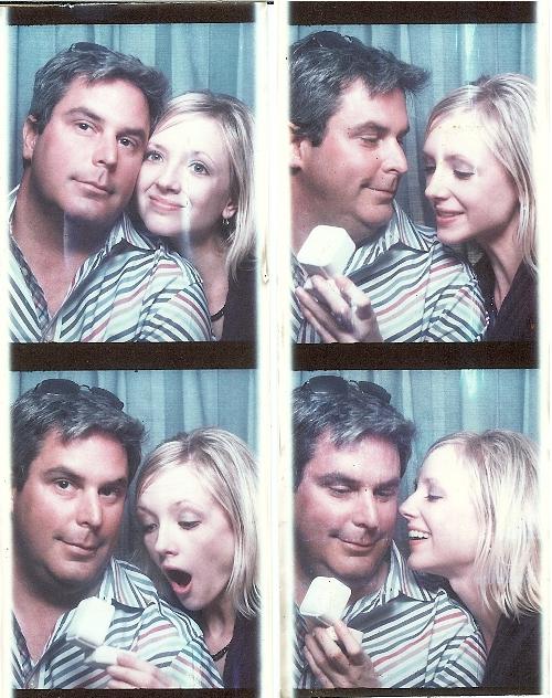 Romantic photobooth snaps - Pic 4