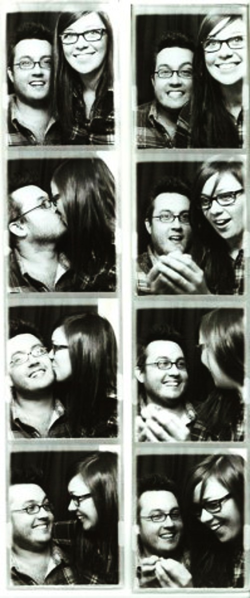Romantic photobooth snaps - Pic 5