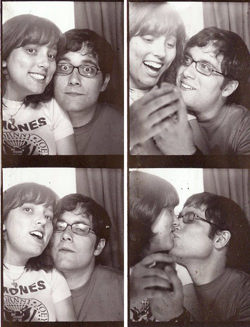 Romantic photobooth snaps - Pic 9