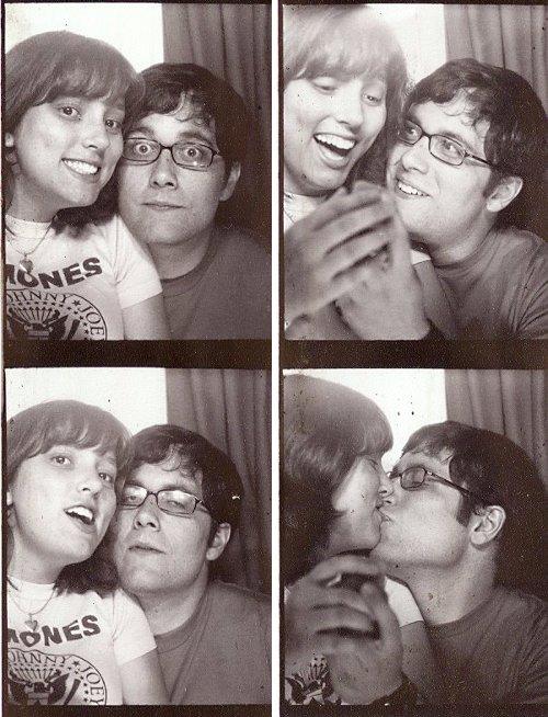 Romantic photobooth snaps - Pic 9