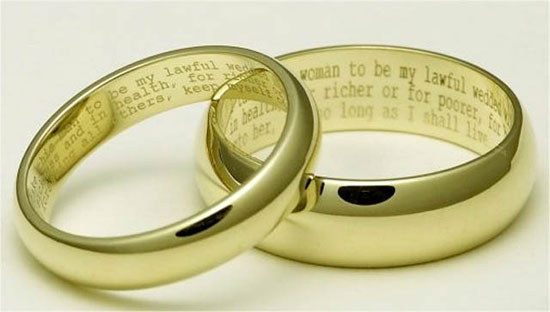 Vintage wedding rings with short love poems