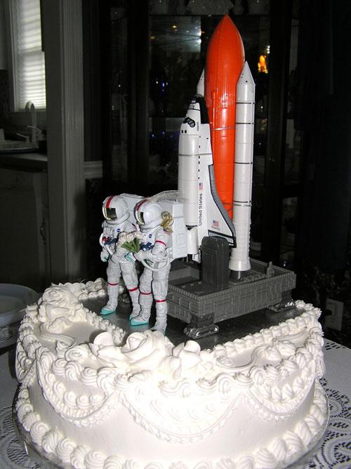 Shuttle Wedding Cake