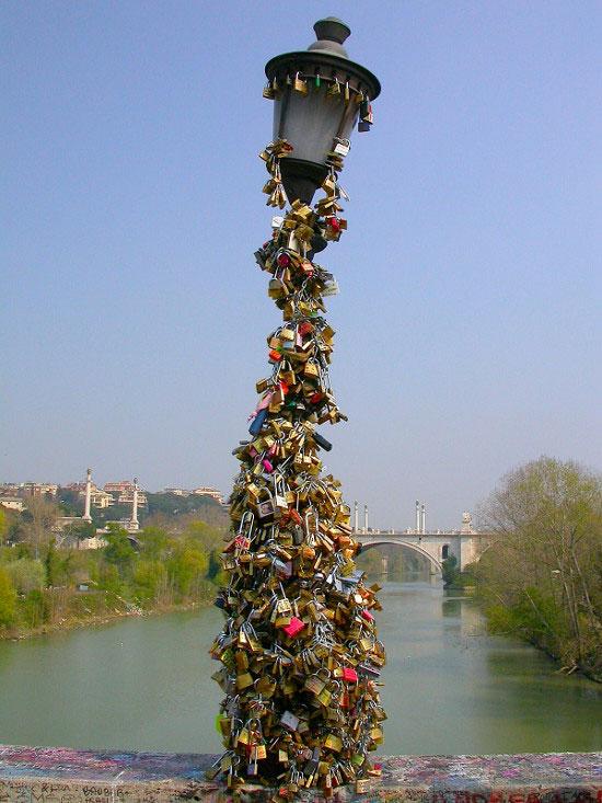 Love padlocks - Rome, Italy